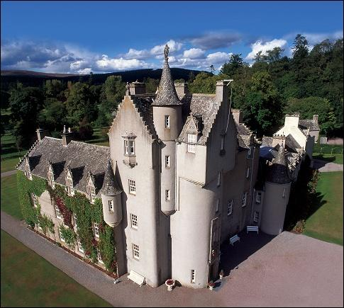 Ballindalloch Castle and Distillery (265 image)